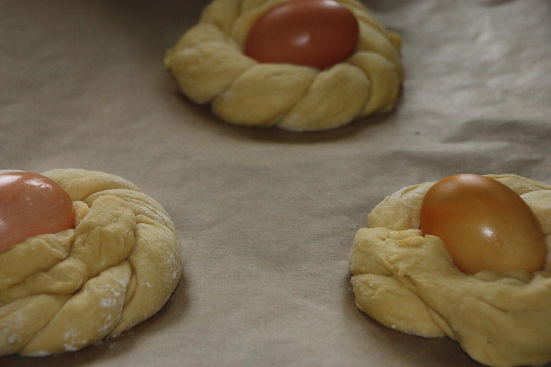 Italienske påskebrød hæver